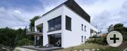 Fein strukturierter Wandputz unterstreicht den Bauhaus-Stil am Wohnhaus Schmid, Schopfloch.